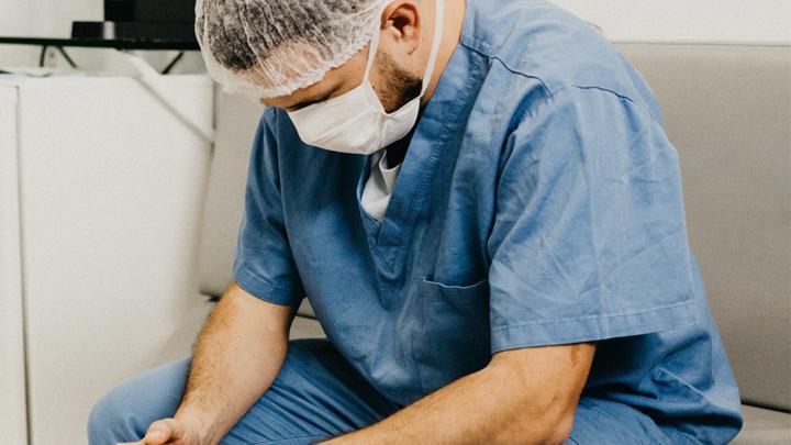 Il burnout nelle professioni medico-sanitarie: una sfida ancora più grande dopo la pandemia